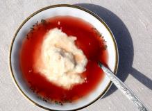 Dace-Pūpoli-saldais-ēdiens